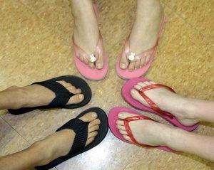 flip-flops-e50d079db5e7ec7a